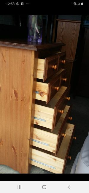 WOODEN CHEST 5 BIG DRAWERS DRAWERS SLIDING SMOOTHLY EXCELLENT CONDITION for Sale in Fairfax, VA