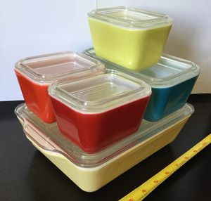 PYREX Vintage refrigerator dishes primary colors with lids for Sale in Scottsdale, AZ