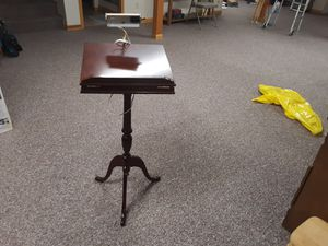 Reading display table for Sale in Saginaw, MI