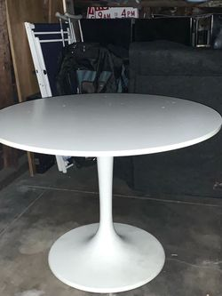 IKEA Docksta white round table kitchen dining room office for Sale in Los Angeles,  CA