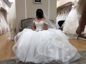 MORI LEE Dream wedding dress for Sale in Anaheim, CA