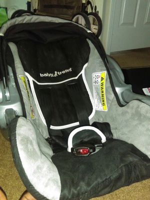 Baby Trend Car Seat for Sale in Tarboro, NC