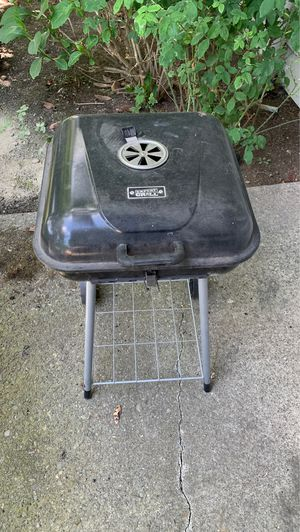 Charcoal bbq grill for Sale in Everett, WA