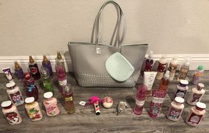 NEW HUGE Bath & Body Works / Victoria's Secret Beauty Lot With Tote for Sale in Scottsdale, AZ