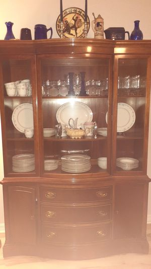 Antique wooden china cabinet for Sale in Tampa, FL