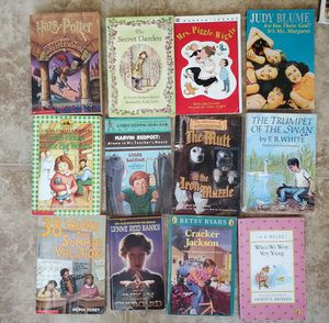 27 chapter books for Sale in Buena Park, CA