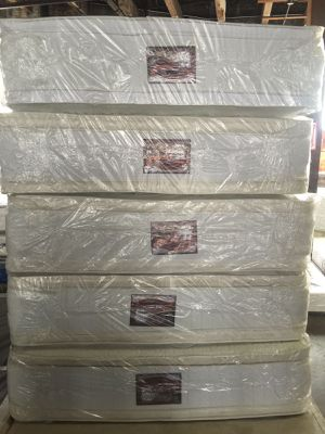 Queen jumbo pillow top mattress and box spring for Sale in Chicago, IL