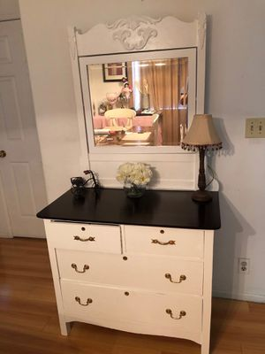 1920's vanity dresser for Sale in Los Angeles, CA