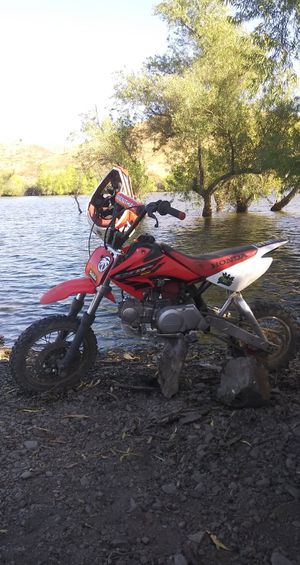 05 crf 50. Has 88 kit with clutch for Sale in Menifee, CA