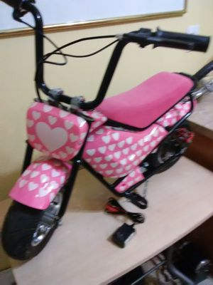 $200 electric mini bike , excellent condition, like new for Sale in Elsberry, MO