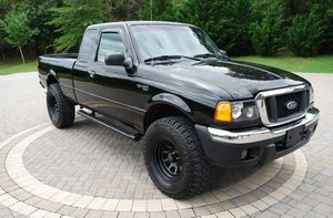Needs.Nothing 2OO4 Ford Ranger XLT 4WDWheels One Owner for Sale in San Francisco, CA