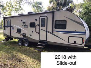 2018 Gulfstream 28BBS Vista Cruiser travel trailer with slide-out for Sale in Jupiter, FL