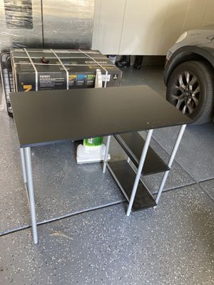 Computer table + chair for Sale in Morgan Hill, CA