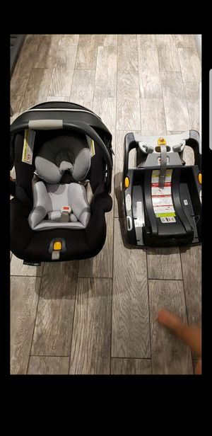 Car seat and base keyfit30 for Sale in Sunrise, FL
