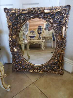 Beautiful antique wood frame mirror for Sale in Miami, FL