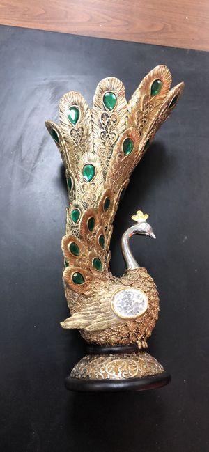 Peacock decorative vase for Sale in Fullerton, CA