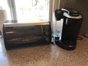 KEURIG Coffee Maker and BLACK&DECKER Toater for Sale in Santa Ana, CA
