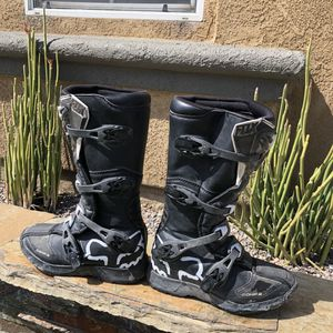 FOX comp 3 dirt bike boots. Youth. for Sale in Fontana, CA