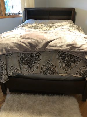 Queen/Full Bed Frame with Drawers for Sale in Orland Park, IL
