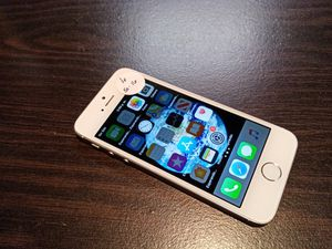 IPhone 5s 16gb, unlocked for Sale in Franklin, TN