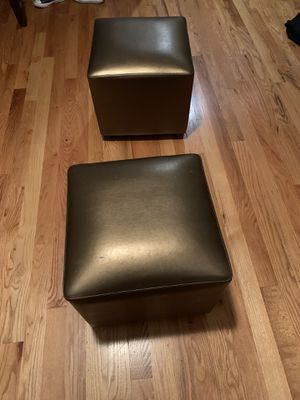 2 small leather ottoman cubes for Sale in Nashville, TN