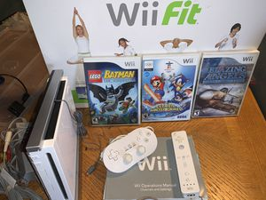 Wii Bundle for Sale in Apple Valley, CA