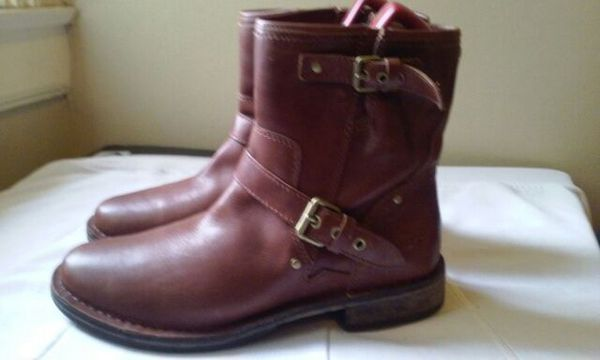 UGG leather ankle boots size 8