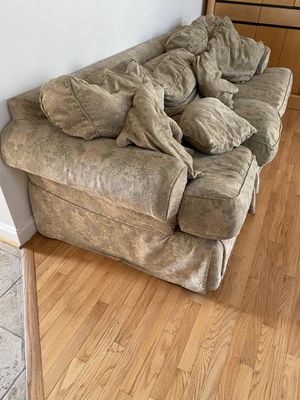 Couch for Sale in Laurel, MD