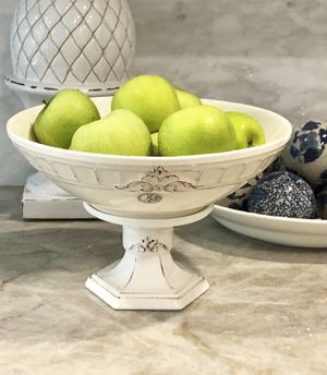 """Farmhouse French Country Centerpiece Pedestal Bowl Made In Portugal (Ivory) 8 1/4"""" H for Sale in Miami, FL"""