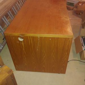 Large solid wood desk (will take best offer) for Sale in Purcellville, VA