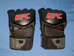 UFC Official Training Gloves Large for Sale in Midway City, CA