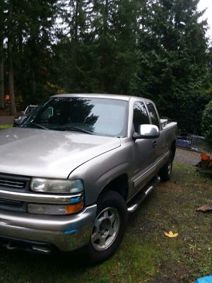 2001 Chevy Silverado 4x4 Extended for Sale in Redmond, WA