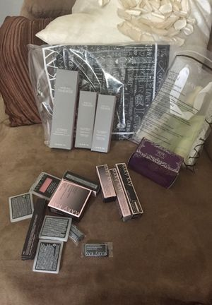 A Facial a perfume enchanted wish silk hands set of makeup and pouch 200$ for Sale in Zebulon, NC