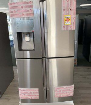 Samsung 4 door Fridge! Very modern! Only $1650 plus tax! Originally $3,800! With warranty! MYGB for Sale in Riverside, CA