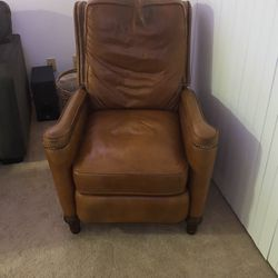 Brown Leather Recliner for Sale in Morgantown,  WV