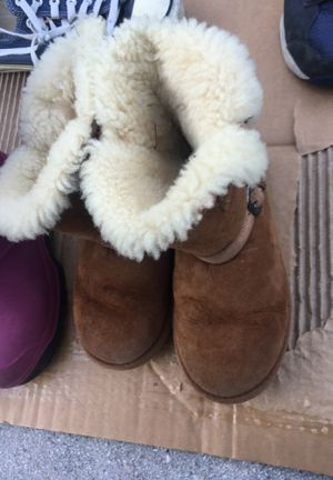 Snow boots size 12 and 1 for Sale in Palm Beach Gardens, FL