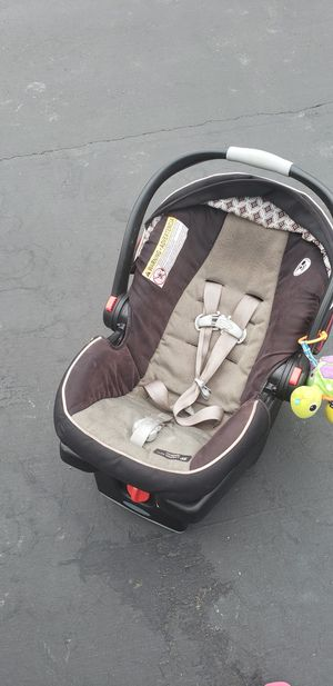 Used Garco Infant Car seat from 4lb -35lb. Age 0month - 2 years for Sale in San Ramon, CA