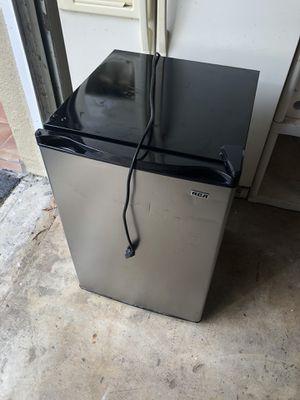 RCA mini fridge for Sale in Plantation, FL