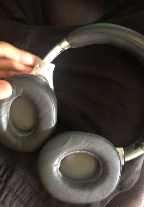 Studio beats by dre noise canceling music production headphones