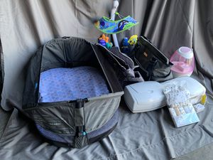 Baby Tote Bassinet,Electrical Breast Pump,Baby Bags,ect. for Sale in Grand Terrace, CA