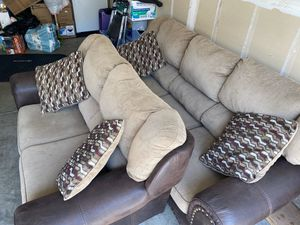Sofa and loveseat for Sale in Sacramento, CA