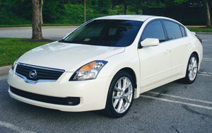 Speeds Sensitive Wipers 2007 NISSAN ALTIMA Economy Car for Sale in Cleveland, OH