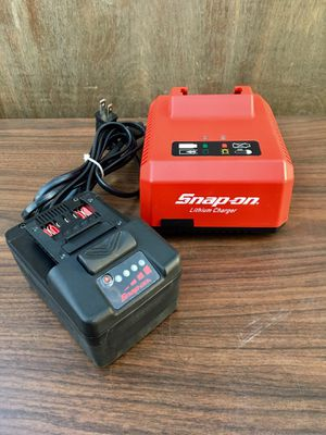 Snap on 18v Monster Lithium Battery 🔋 And Charger 🔌 (((( $200 OBO )))) ❗️Never Used ❗️ Battery 🔋 has 1 charge Cycle for Sale in Riverside, CA