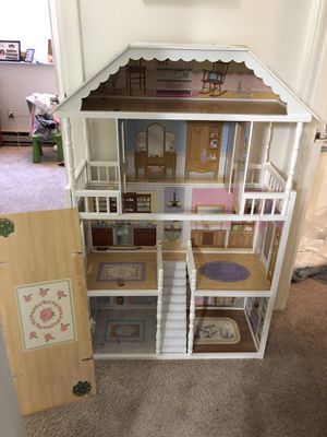 Doll house for Sale in Waltham, MA
