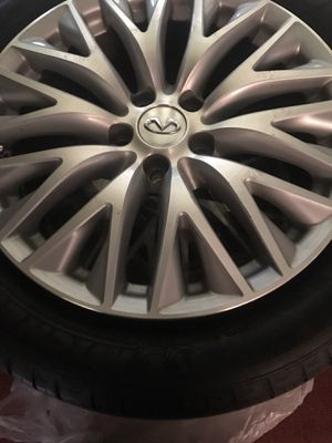 These rims and tires came off a Q70l they where just on for a couple of weeks tires 98% for Sale in Los Nietos, CA