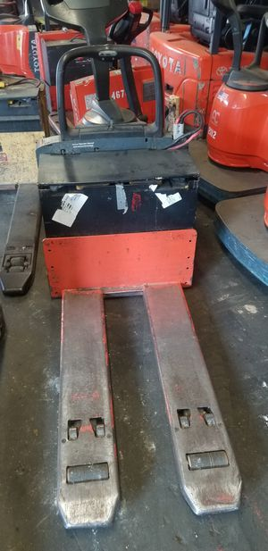 Forklift (Ride on electric jack) for Sale in Clifton, NJ