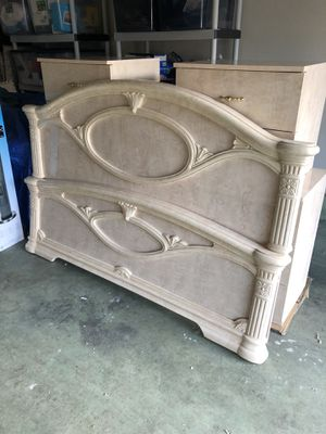 Queen Bedroom Set for Sale in Puyallup, WA