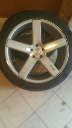 22 niche 5 lug 5x120 for Sale in Humble, TX