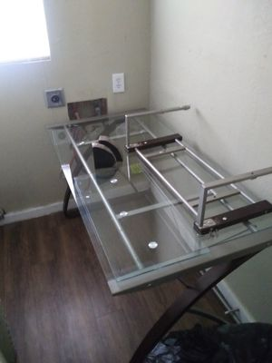 Glass desk/tv stand for Sale in Haltom City, TX