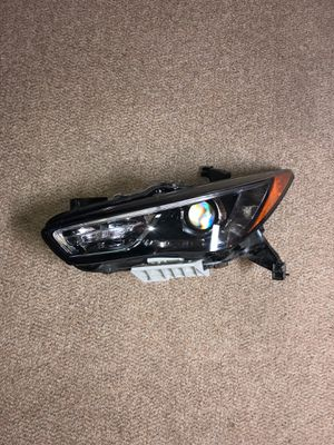 Infinity QX60 2016-2017 OEM headlight for Sale in Silver Spring, MD